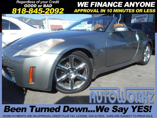 2005 Nissan 350Z Fully loaded all the options navi chrome rims 6 speed Manuel 866449-4841 Call t