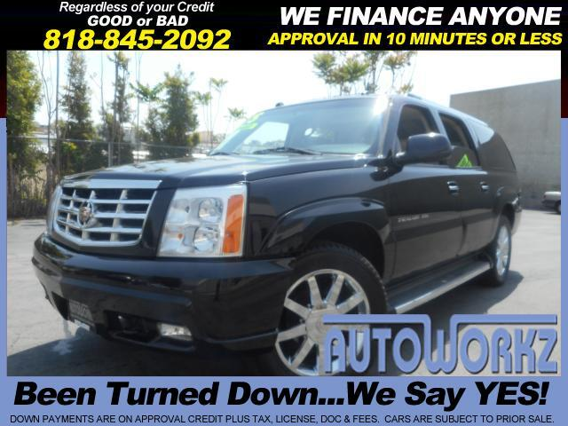 2005 Cadillac Escalade This is the top of the line 2 tv screens navi chrome rims low miles great f