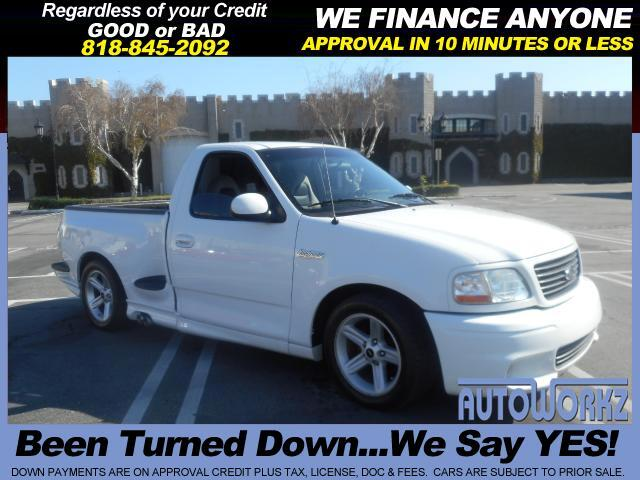 2004 Ford F-150 WOW CHECK THIS ONE OUT ONE OF A KIND SVT WHITE WITH GRAY INTERIOR AUTO EXTRA CLEAN J