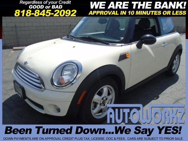 2009 MINI Cooper 2009 MINI COOPER 2DR CPE DUAL SUNROOF LEATHER AND ONLY 57K MILES COLD AC  MORE