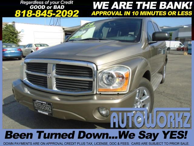 2006 Dodge Durango WOW CHECK THIS ONE OUT HEMI LEATHER LOW MILES 3RD SEAT LJoin our Family of satis
