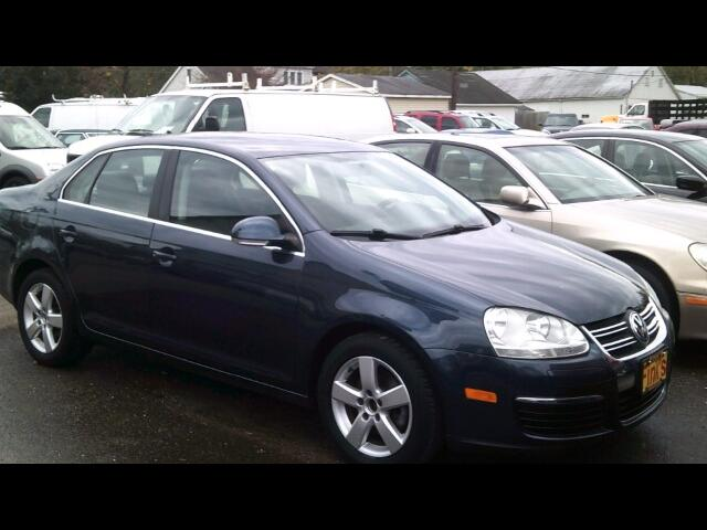 used 2009 volkswagen jetta se for sale in zanesville oh 43701 finks quality used cars. Black Bedroom Furniture Sets. Home Design Ideas