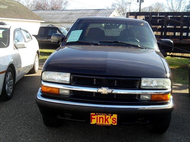2002 Chevrolet S10 Pickup LS Crew Cab 4WD