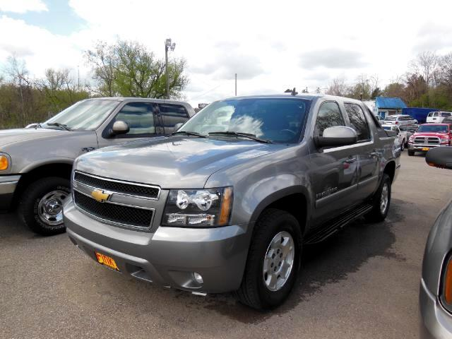 used 2009 chevrolet avalanche for sale in zanesville oh 43701 finks quality used cars. Black Bedroom Furniture Sets. Home Design Ideas