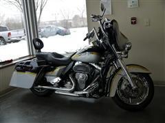 2012 Harley-Davidson FLHTCUSE3