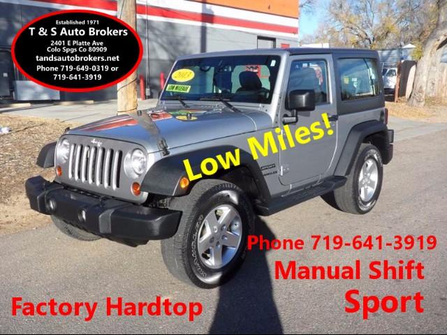 2013 Jeep Wrangler Sport 4x4 LOW MILES