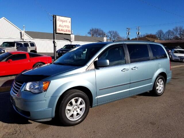 2010 Chrysler Town & Country Touring with DVD
