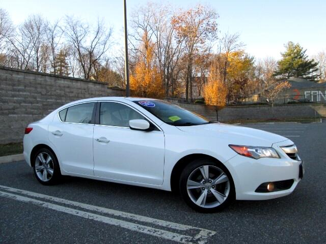 2013 Acura ILX 5-Spd AT w/ Technology Package Navigation