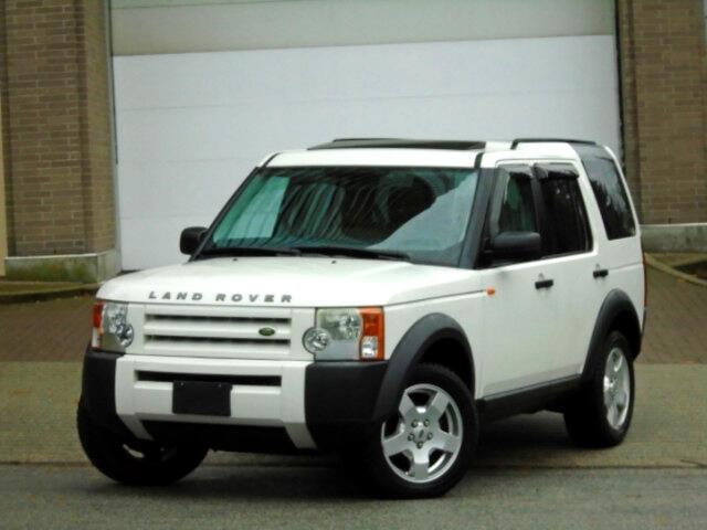 2006 Land Rover LR3 V6  4WD  7 Passengers