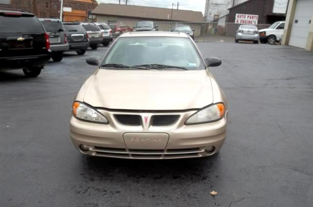2004 Pontiac Grand Am SE1 sedan