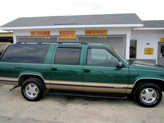 1999 Chevrolet Suburban C1500 2WD