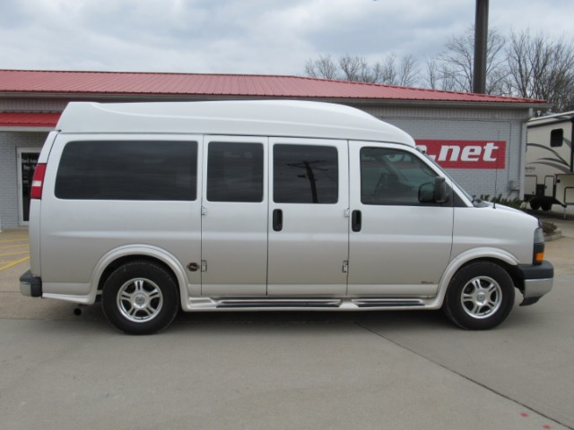 2005 GMC Savana Ultimate LE Southern Comforts Conversion