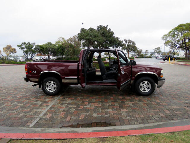 2001 Chevrolet Silverado 1500 LS Extended Cab 4WD Z71 Pickup