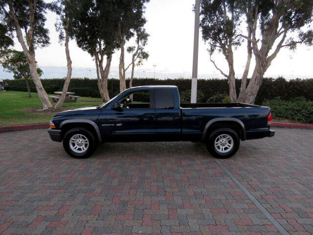 2002 Dodge Dakota SXT Club Cab 2WD