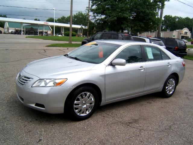 2009 Toyota Camry spotless inside and out has a key fob and book loaded power seats windows locks