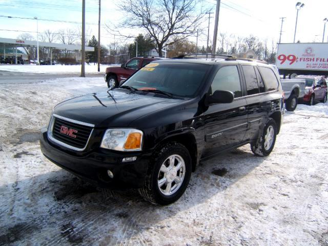 2004 GMC Envoy new engine motor has only 98k on it 4x4 runs and drives great it is very sharp insid