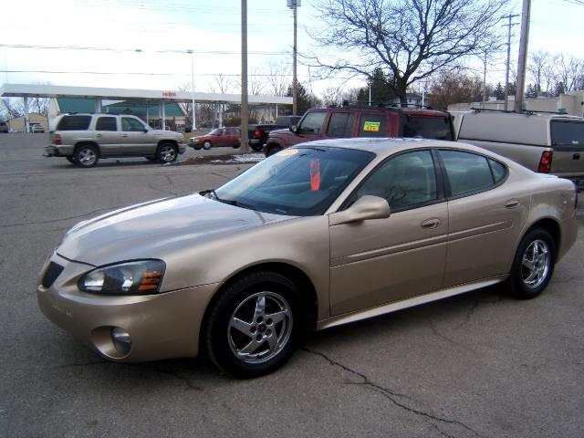 2004 Pontiac Grand Prix very sharp inside and out has a 3800 engine good gas mileage loaded power