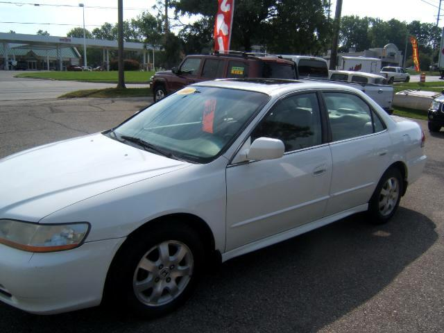 2001 Honda Accord great gas mileage a very clean car inside and out leather interior cd player loa
