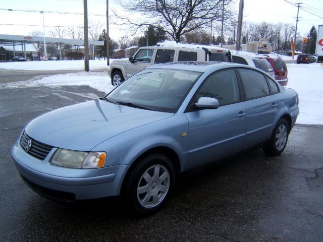 1999 Volkswagen Passat very clean car run and drives great power windows locks cd player moon roof
