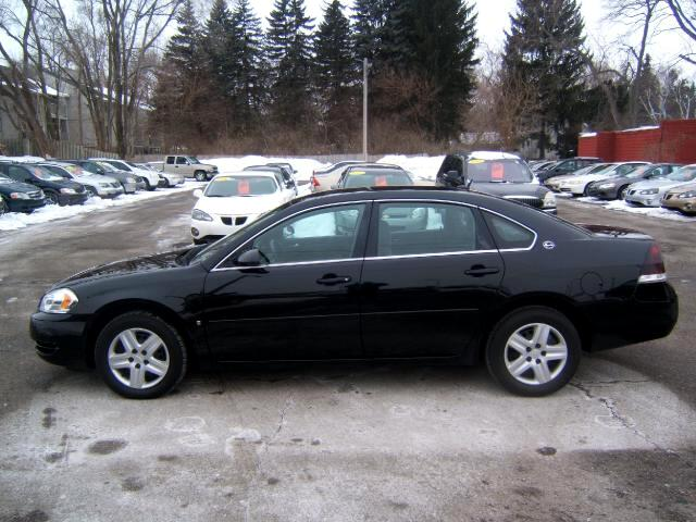 2008 Chevrolet Impala very sharp inside and out runs and drives great loaded power seat windows lo