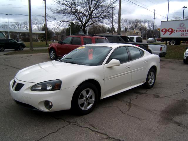 2006 Pontiac Grand Prix very sharp inside and out runs and drives great has a 3800 engine loaded p