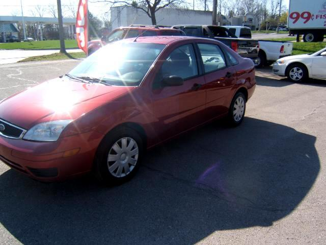 2005 Ford Focus spotless inside and out no rust 5 speed transmission 34 mpg