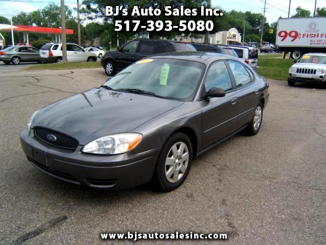 2005 Ford Taurus good gas mileage very clean car runs and drives great cold air