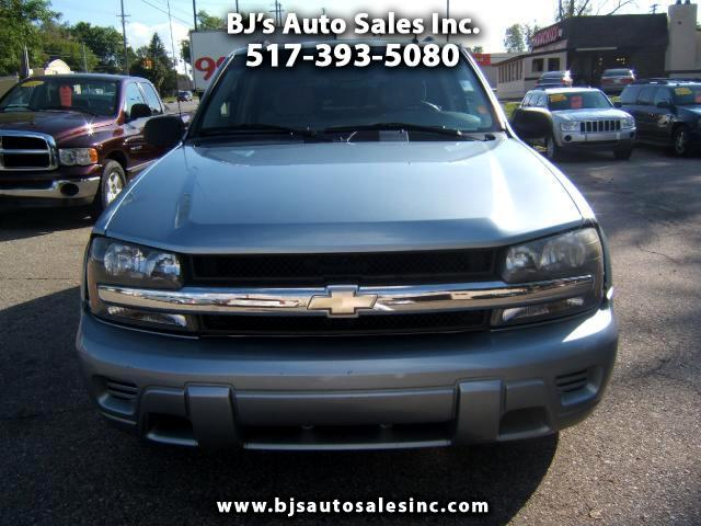 2006 Chevrolet TrailBlazer 4x4is a one owner suv runs and drives like new a very sharp suv loaded