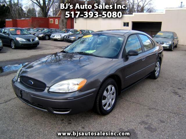 2004 Ford Taurus a very clean car inside and out tires like new runs and driv