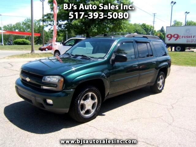 2005 Chevrolet TrailBlazer 4x4 has a third seat very sharp inside and out power seats windows lock