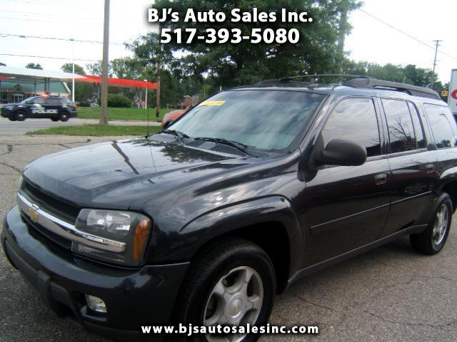 2006 Chevrolet TrailBlazer very sharp suv has a third seat has a tv dvd player entertainment center
