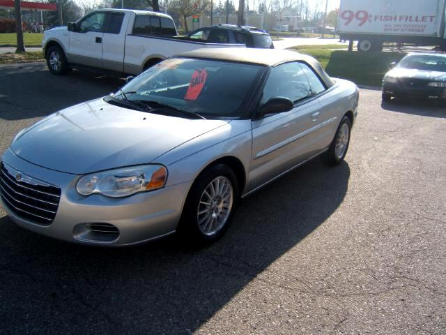 2006 Chrysler Sebring only 65000 miles garage kept no winters no snow NO rust very sharp car power