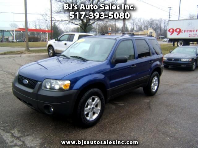2005 Ford Escape very clean inside and out alloy wheels power windows locks ti