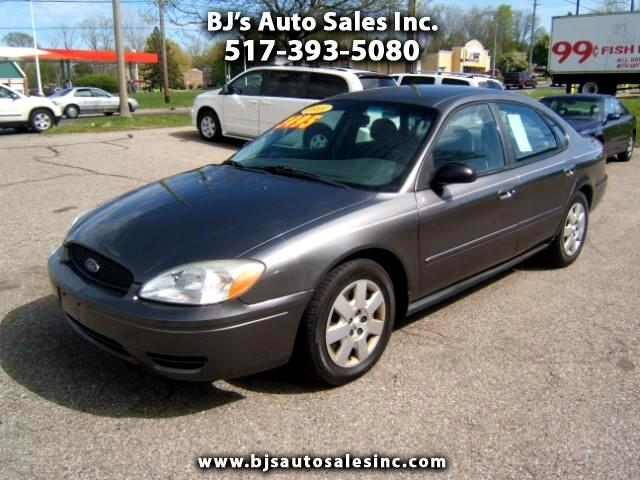 2005 Ford Taurus runs and drives great power windows locks cruise tilt cd player very clean- only