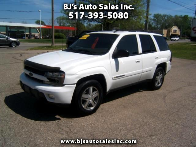 2004 Chevrolet TrailBlazer has 4x4 loaded very clean inside and out power windows locks cruise sea