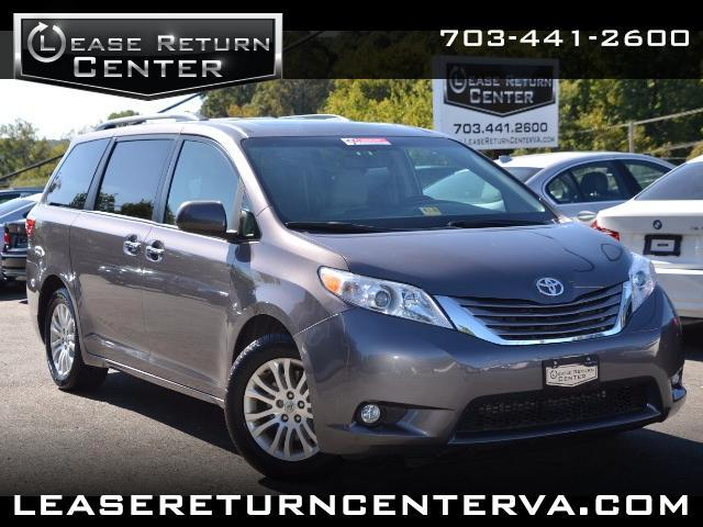 2015 Toyota Sienna XLE With Navigation