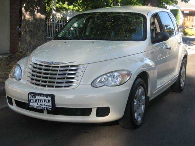 2006 Chrysler PT Cruiser Extra Clean Every vehicle at our dealership goes trough thoural inspection
