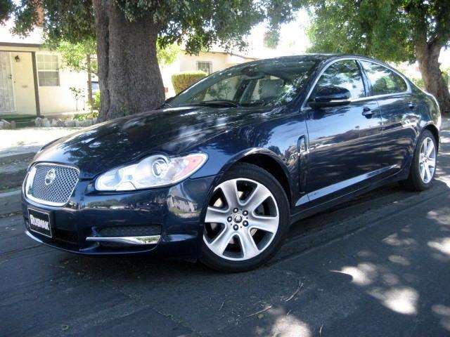 2010 Jaguar XF-Series This 2010 Jaguar XF Luxury Sedan is a ONE OWNER VEHICLE with Only 26K Miles