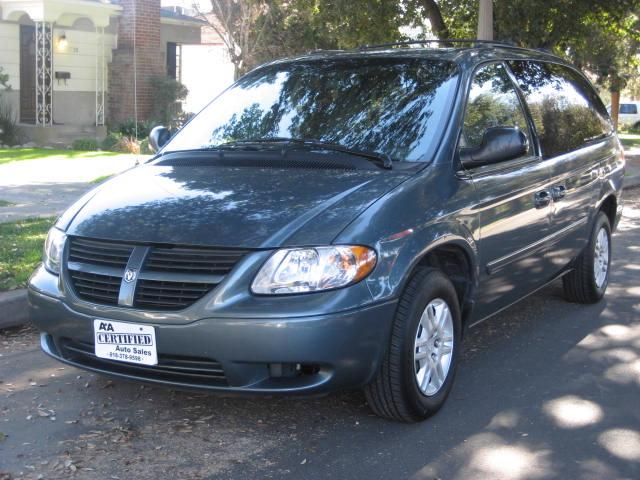 2005 Dodge Grand Caravan One Owner Clean Title No Accidents Fold Flat 2nd and 3rd row seats STOWG