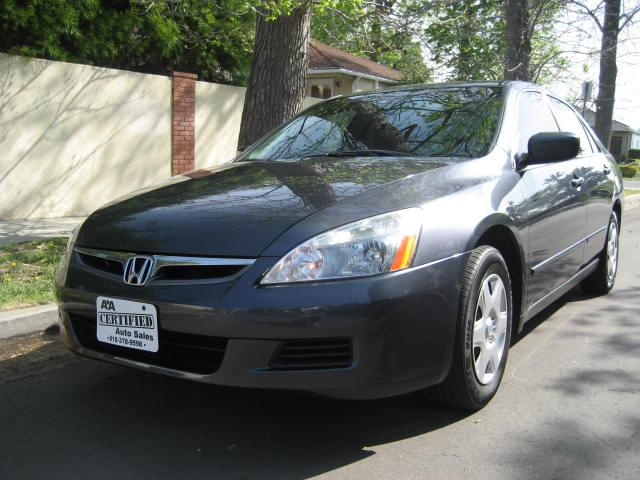 2007 Honda Accord Extra Clean No Accidents Clean Title 4 Cylinder Gas Saver Inspected and Serviced