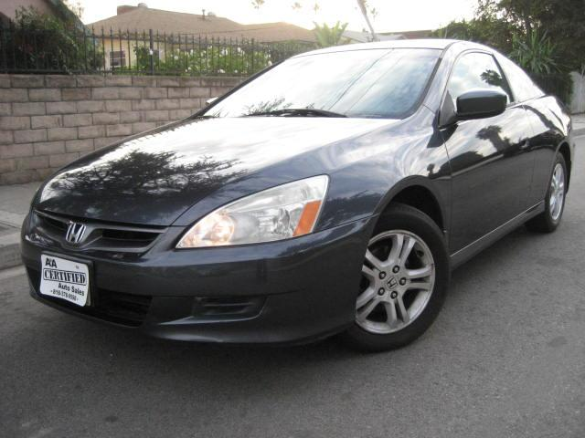 2007 Honda Accord This 2007 Honda Accord LX Coupe LOOKS SHARP and DRIVES PERFECT ONLY 108K MILES C