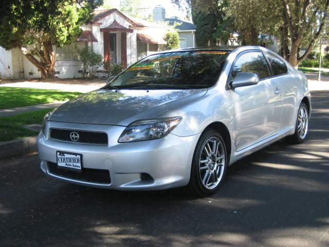 2006 Scion tC This 2006 Scion tC Hatchback Coupe is a ONE OWNER VEHICLE UP TO 27 MPG Silver with B