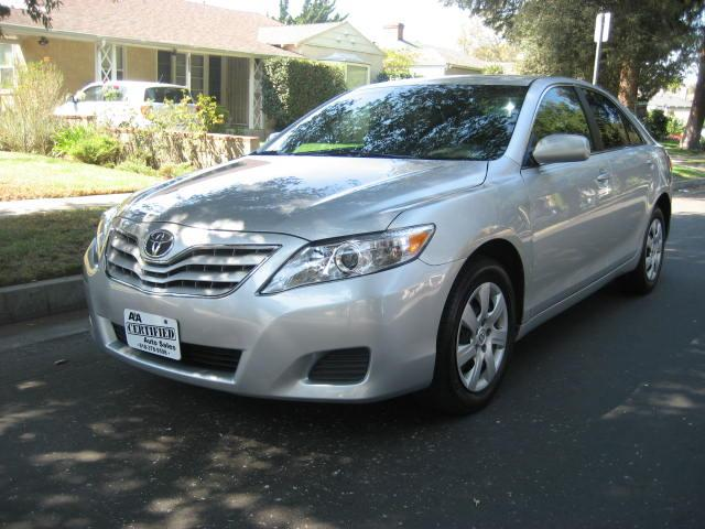 2010 Toyota Camry Extra Clean Leather Navigation And More Great Bargain Clean Title Looks Sharp Run