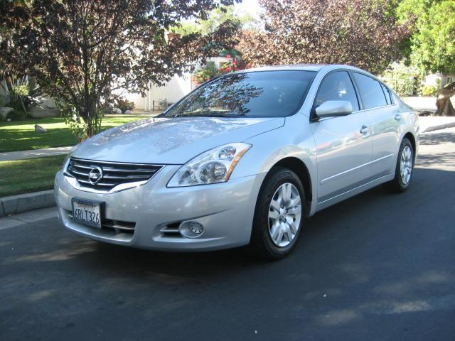 2011 Nissan Altima Extra Clean No Accidents Clean History Clean Title Low Miles Like New Looks Sharp