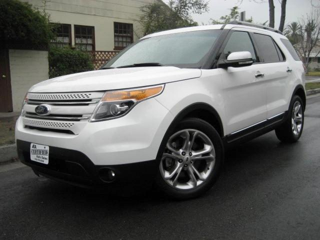 2013 Ford Explorer This 2013 Ford Explorer Limited comes equipped with Navigation Double Moon Roof D