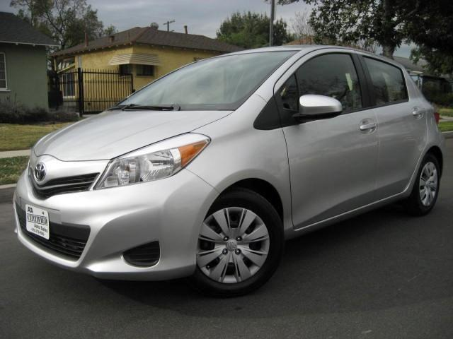 2014 Toyota Yaris This is a 2014 Toyota Yaris Silver with Black and White Interior 4 Cylinder 15 Li