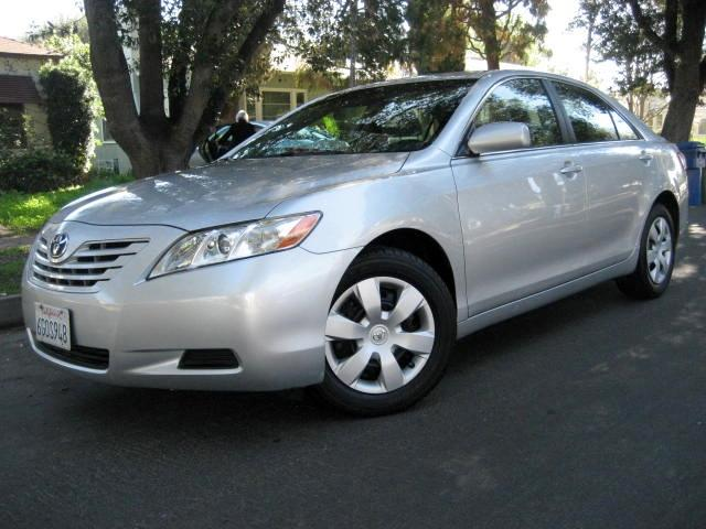 2009 Toyota Camry This is a 2009 Toyota Camry LE Silver with Gray Interior 4 Cylinder 24 Liter En