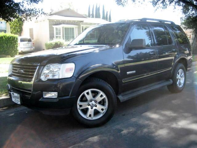 2007 Ford Explorer 2007 Ford Explorer XLT 3rd Row Leather with only 79K Miles Charcoal on Tan Leat