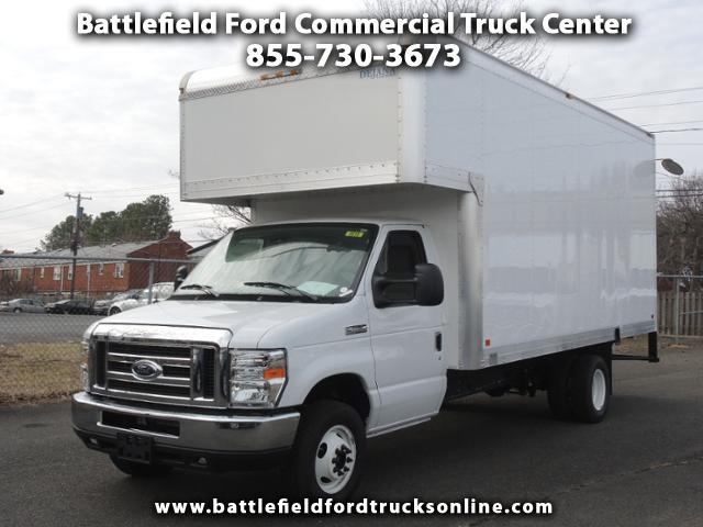 2017 Ford  Commercial Cutaway w/17' Dry Freight Body