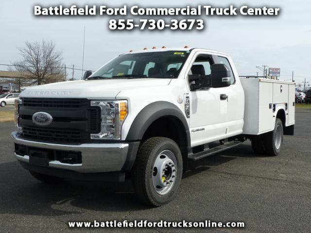 2017 Ford F-450 SD SuperCab 4x2 XL w/9' Utility Body